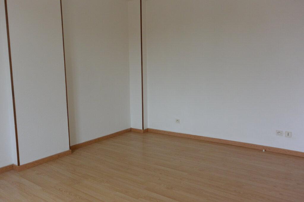 Appartement à louer 3 70m2 à Rolampont vignette-3