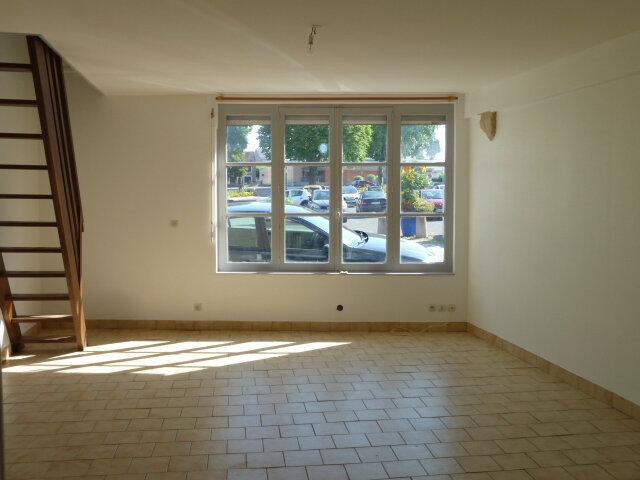 Maison à louer 3 46m2 à Noyers-sur-Cher vignette-3