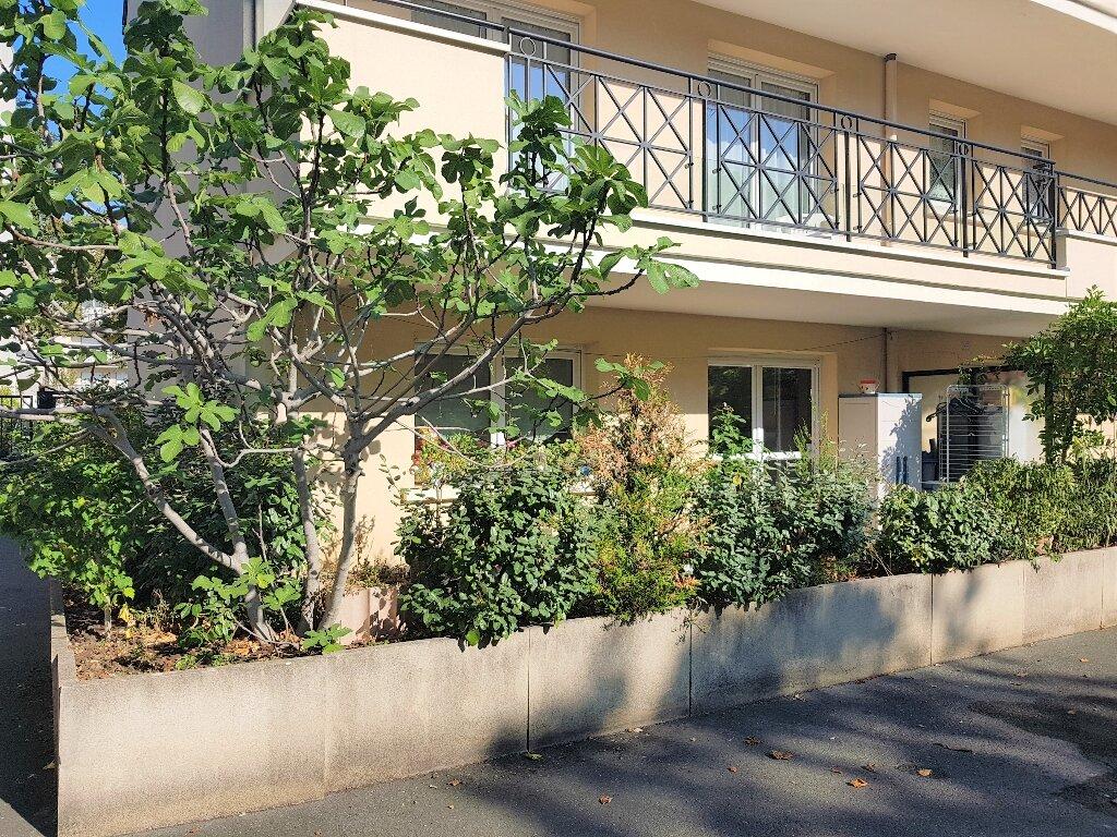 Appartement à vendre 3 56.49m2 à Aulnay-sous-Bois vignette-1
