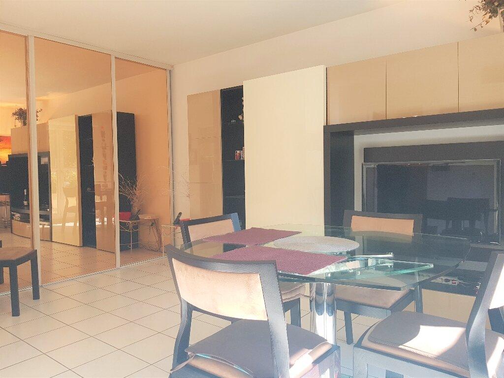 Appartement à vendre 3 56.49m2 à Aulnay-sous-Bois vignette-2