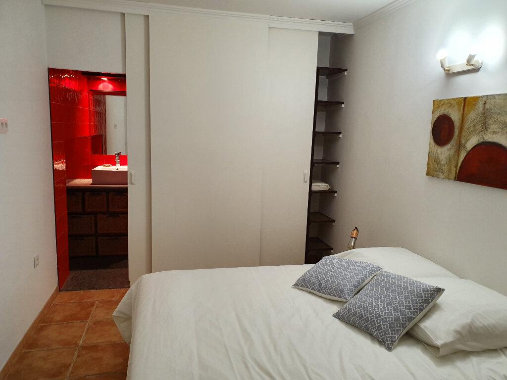 Maison à louer 1 14m2 à Arles vignette-1