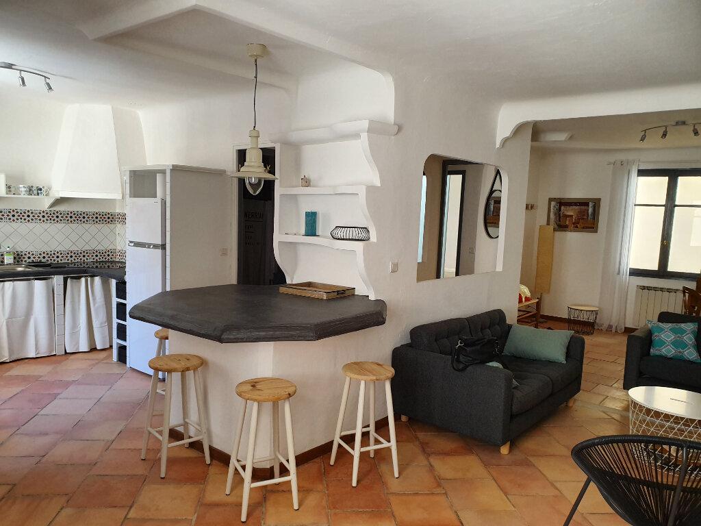 Maison à louer 1 82m2 à Arles vignette-2