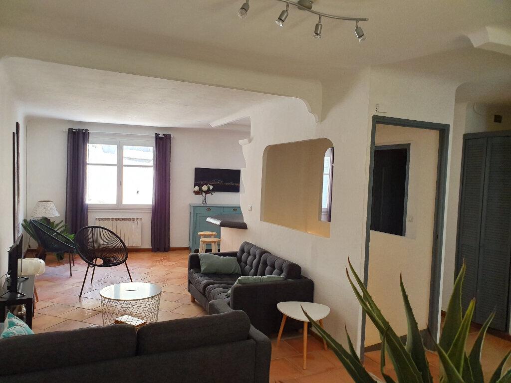 Maison à louer 1 82m2 à Arles vignette-3
