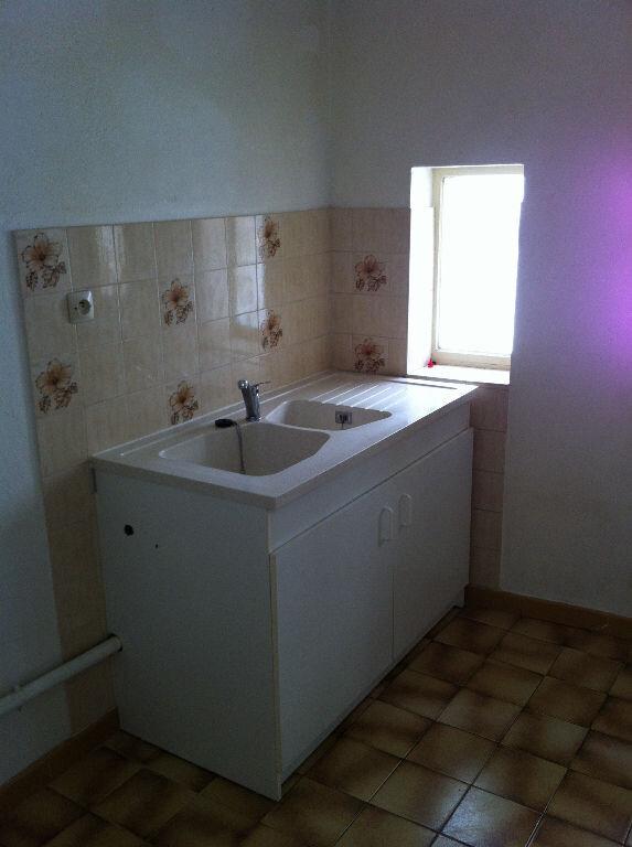 Appartement à louer 3 66m2 à Arles vignette-5
