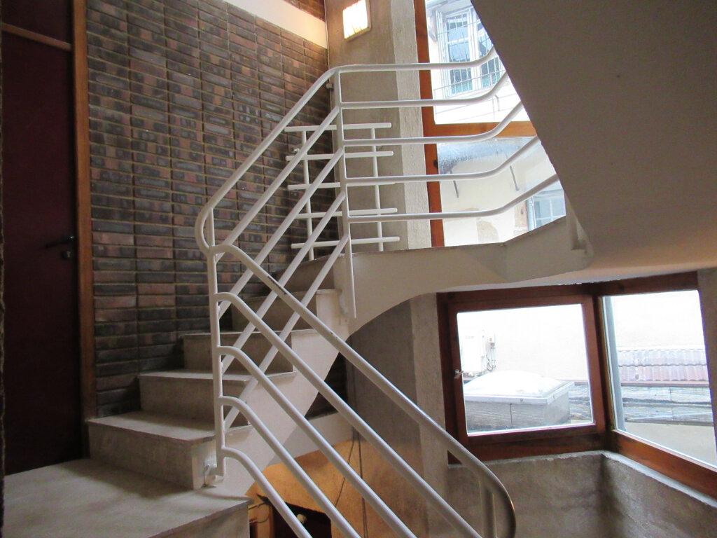 Appartement à vendre 2 52.6m2 à Arbois vignette-3