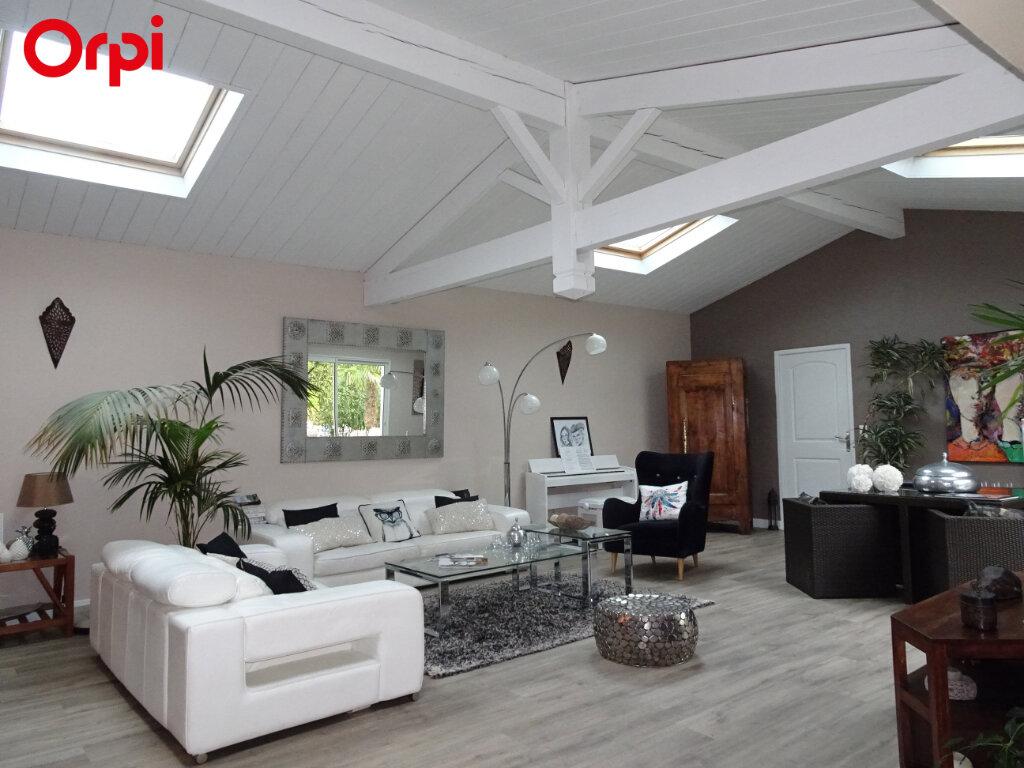 Maison à vendre 8 240m2 à Châtelaillon-Plage vignette-3
