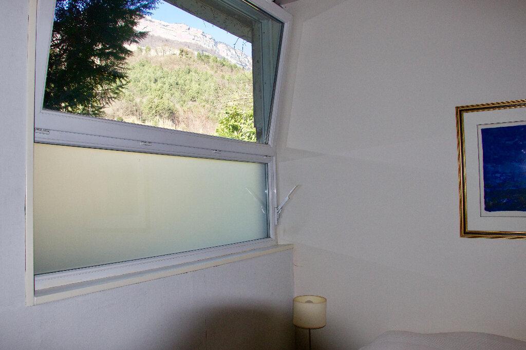 Appartement à vendre 6 177m2 à Corenc vignette-9