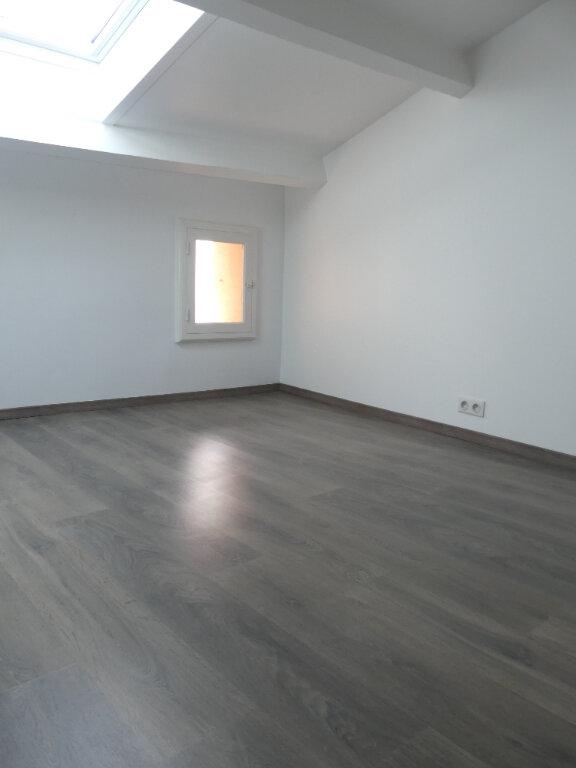Maison à louer 3 65m2 à Sérignan vignette-3