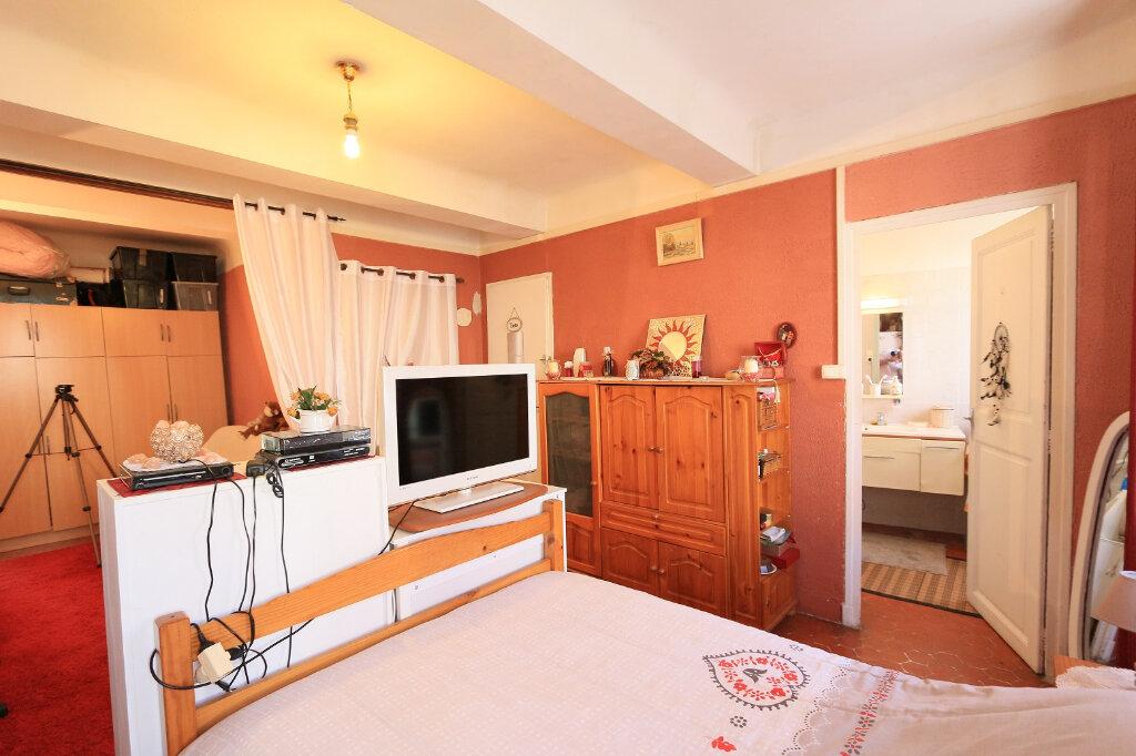 Appartement à vendre 2 64.45m2 à Pierrefeu-du-Var vignette-2