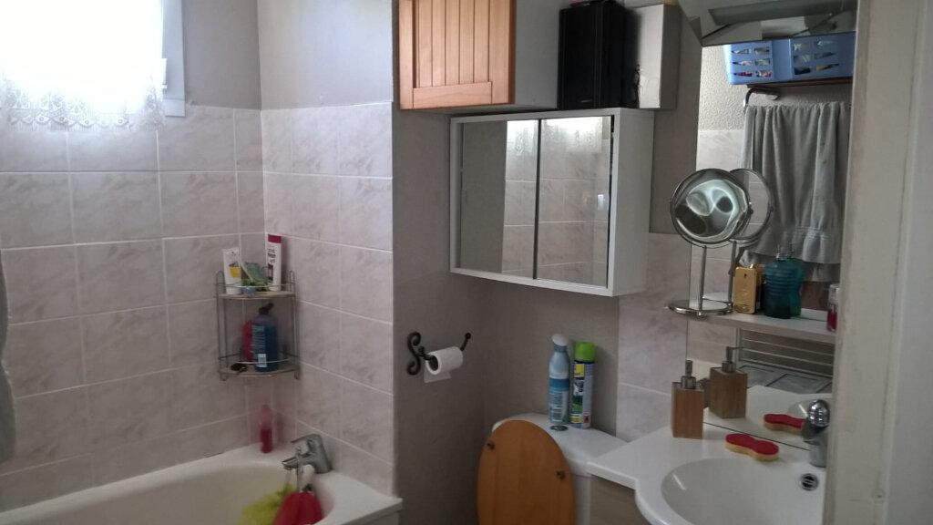 Appartement à vendre 2 28.7m2 à Saint-Mandrier-sur-Mer vignette-4