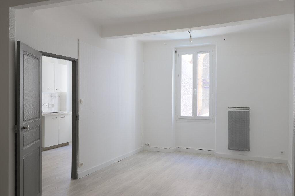Appartement à louer 1 45m2 à Gonfaron vignette-2