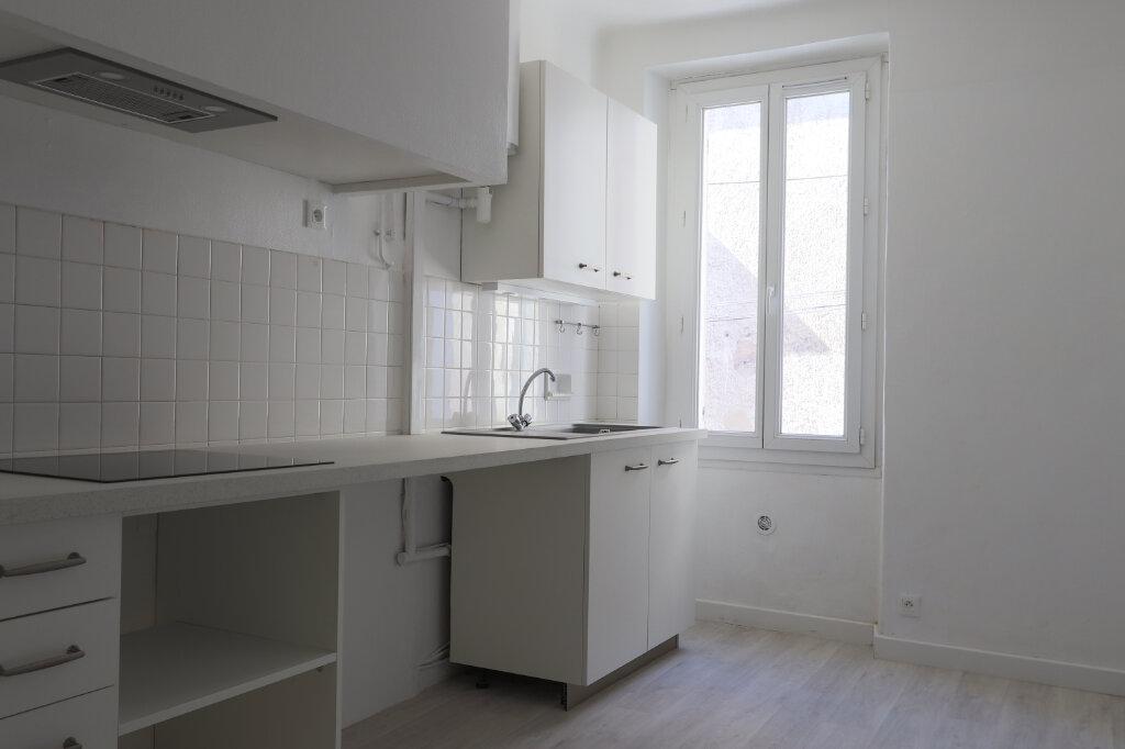 Appartement à louer 1 45m2 à Gonfaron vignette-3