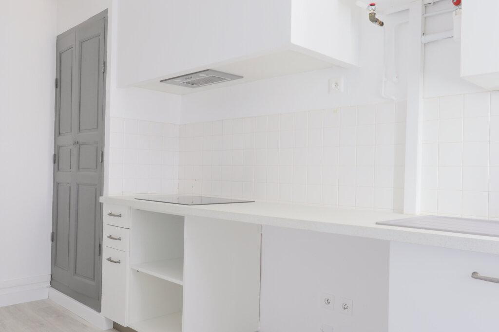 Appartement à louer 1 45m2 à Gonfaron vignette-4