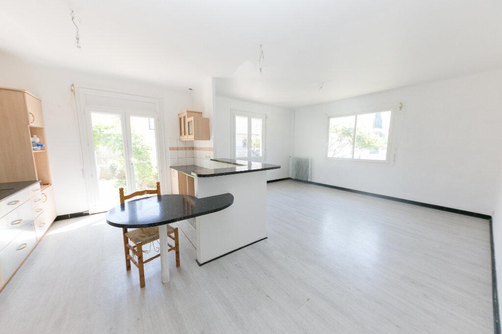 Maison à vendre 7 185m2 à Perpignan vignette-3
