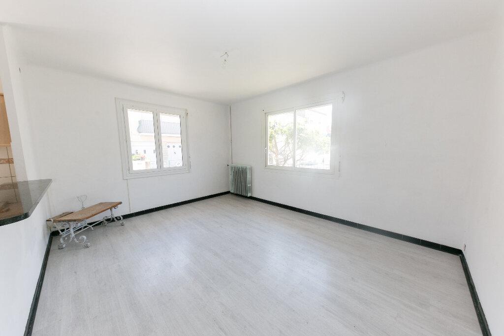 Maison à vendre 7 185m2 à Perpignan vignette-5