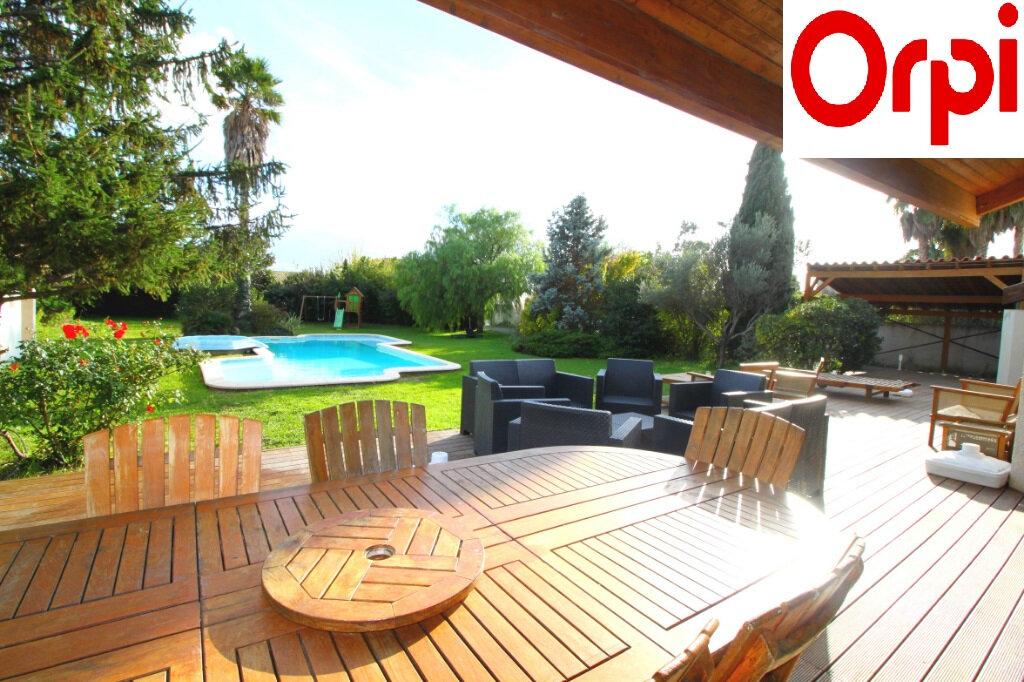Maison à vendre 5 160m2 à Le Soler vignette-1
