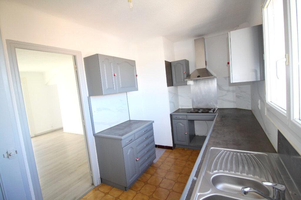 Appartement à vendre 3 73.7m2 à Perpignan vignette-2
