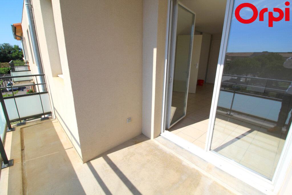 Appartement à vendre 2 41m2 à Saint-Estève vignette-1