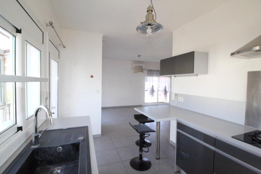 Maison à vendre 6 122m2 à Saint-Estève vignette-2