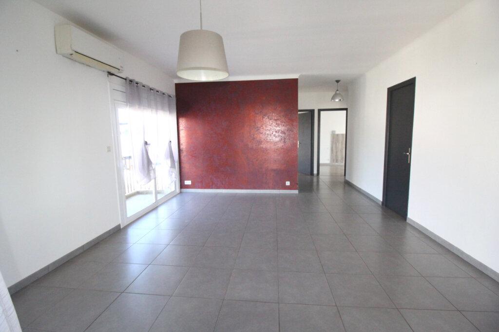 Maison à vendre 6 122m2 à Saint-Estève vignette-6