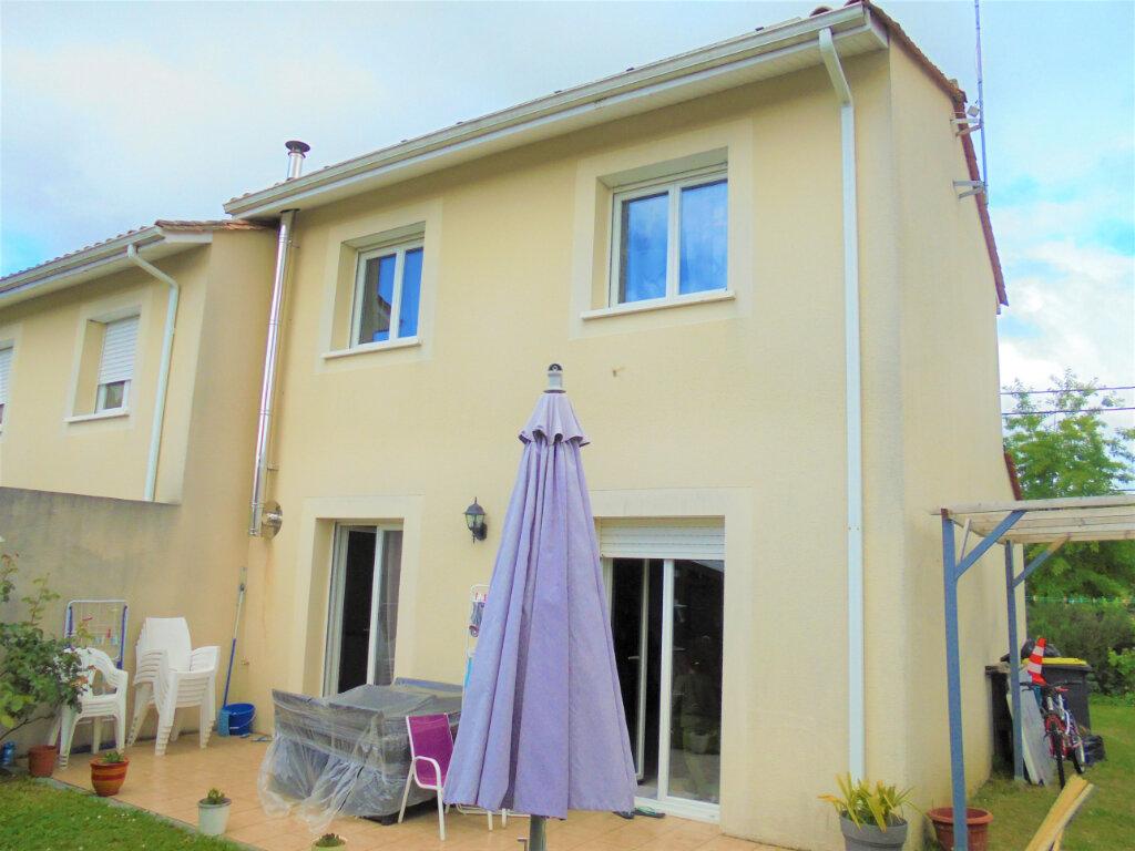 Maison à vendre 3 65.69m2 à Saint-Loubès vignette-1