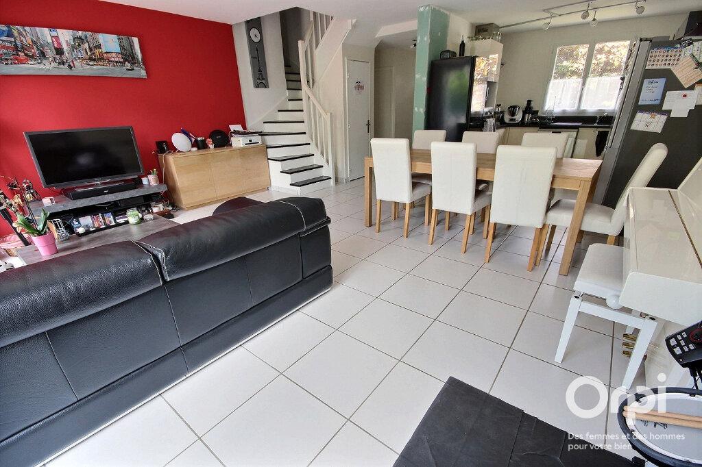 Maison à vendre 7 115m2 à Voisins-le-Bretonneux vignette-3
