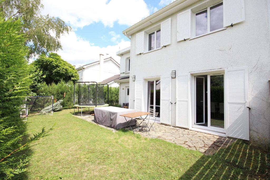 Maison à vendre 7 115m2 à Voisins-le-Bretonneux vignette-9