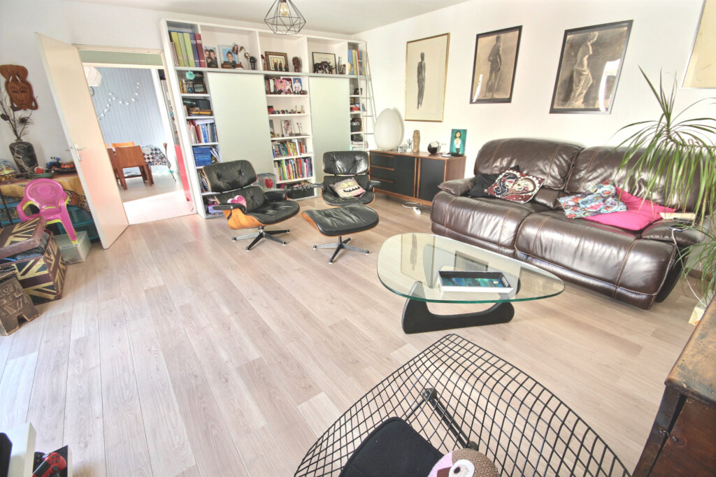 Maison à vendre 6 125m2 à Guyancourt vignette-2