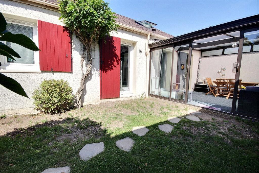 Maison à vendre 6 125m2 à Guyancourt vignette-10