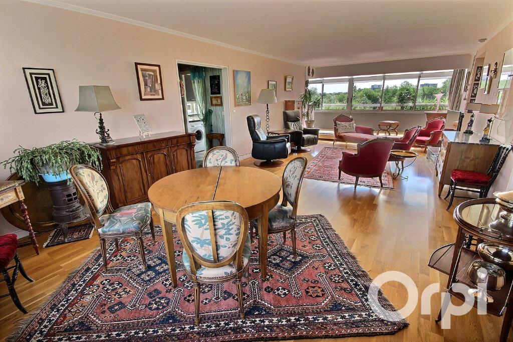 Appartement à vendre 6 134m2 à Élancourt vignette-1
