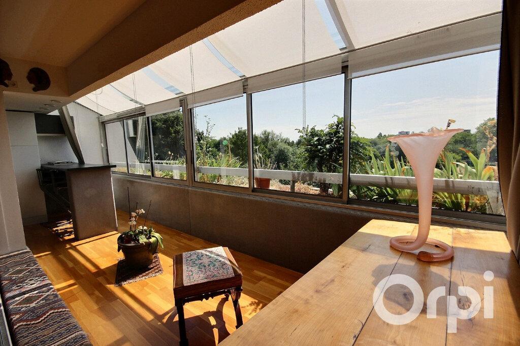 Appartement à vendre 6 134m2 à Élancourt vignette-2