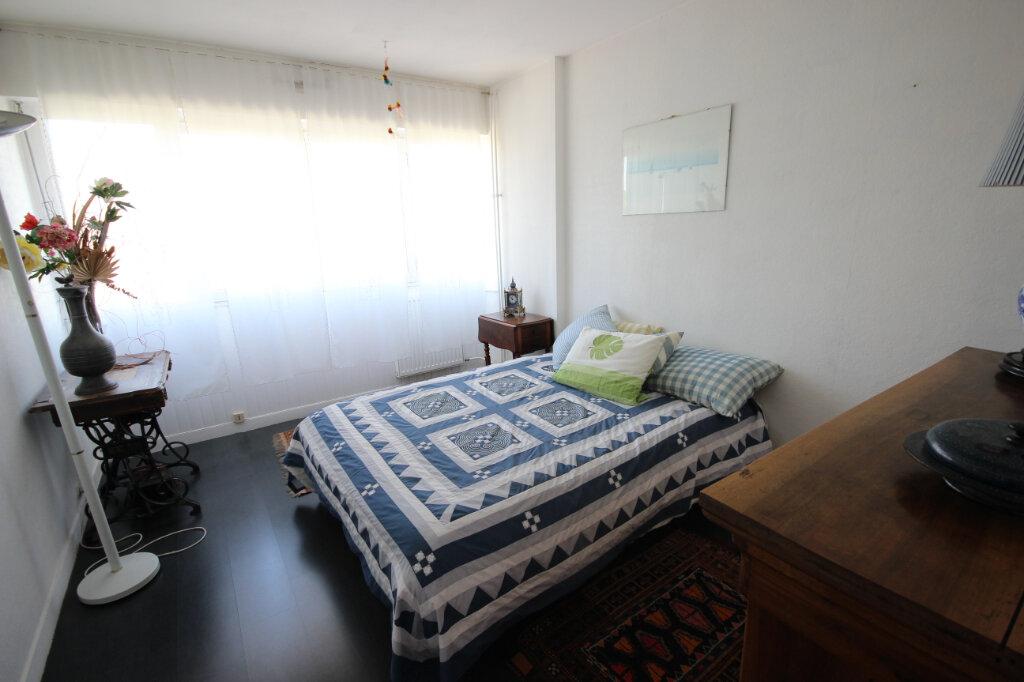 Appartement à vendre 6 134m2 à Élancourt vignette-5