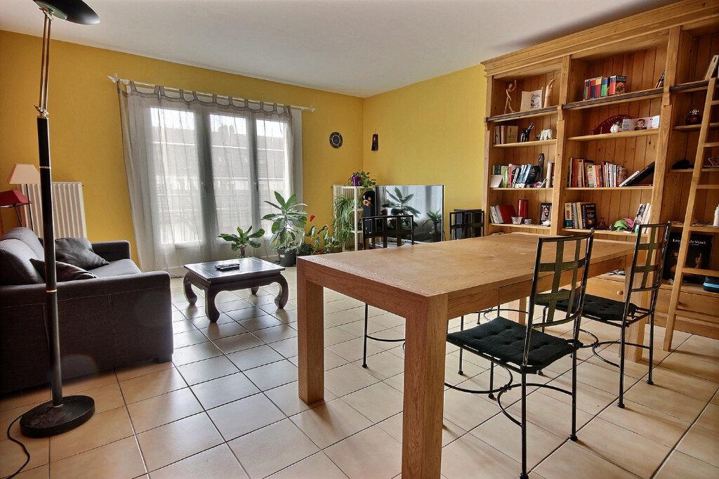 Maison à vendre 4 93m2 à Maurepas vignette-1