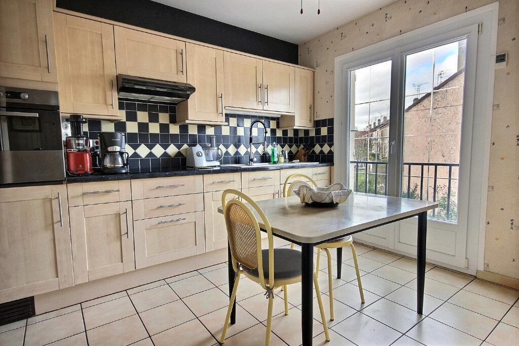 Maison à vendre 4 93m2 à Maurepas vignette-2
