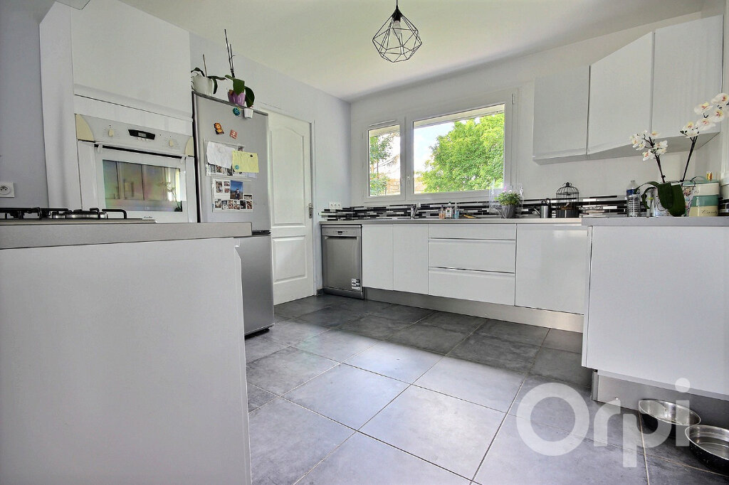 Maison à vendre 7 160m2 à Élancourt vignette-4