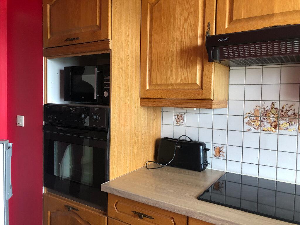 Appartement à louer 3 50m2 à Élancourt vignette-6