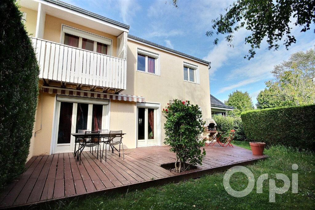 Maison à vendre 6 134m2 à Élancourt vignette-1