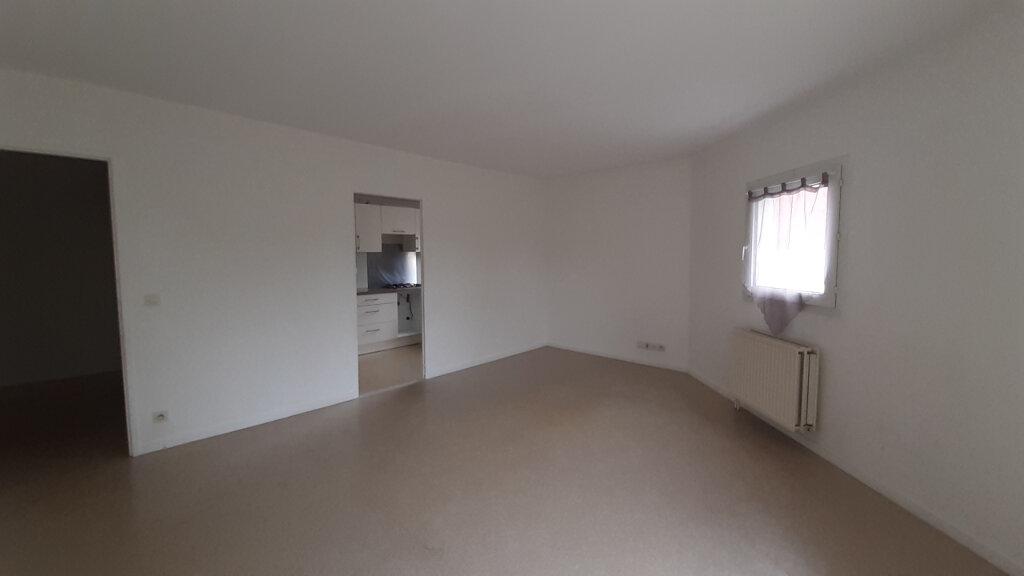 Appartement à louer 3 64m2 à Élancourt vignette-2