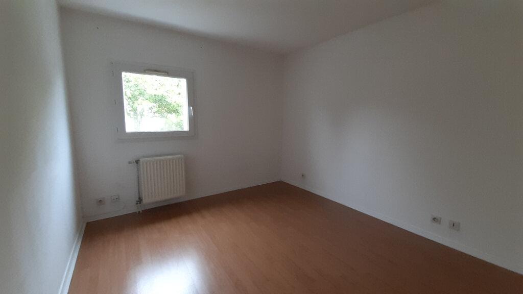 Appartement à louer 3 64m2 à Élancourt vignette-6