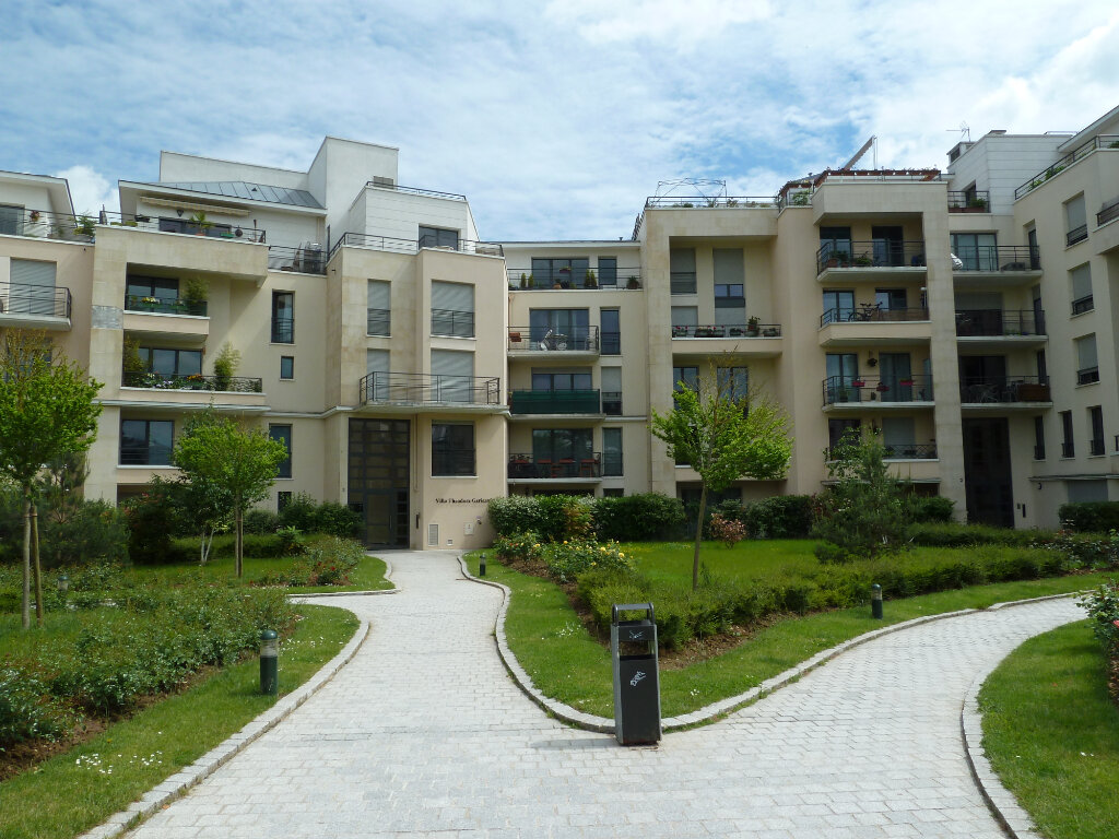Appartement à louer 2 37m2 à Élancourt vignette-1