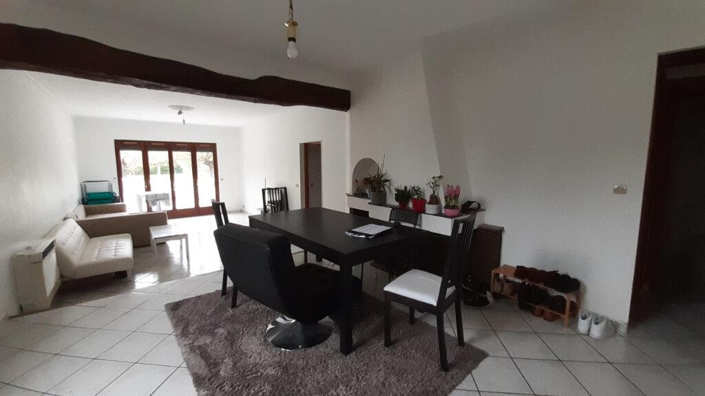 Appartement à louer 7 153m2 à Maurepas vignette-5