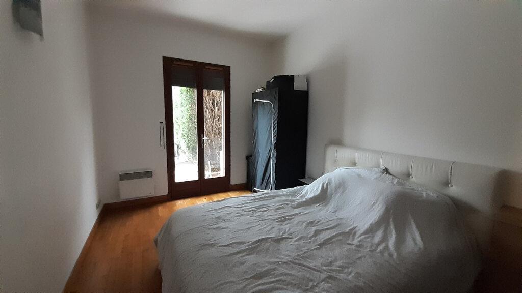 Appartement à louer 7 153m2 à Maurepas vignette-7