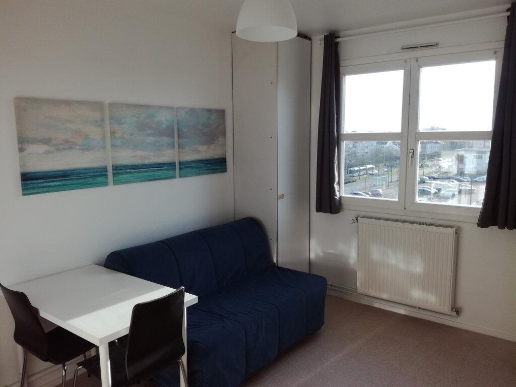 Appartement à louer 1 17.85m2 à Élancourt vignette-3