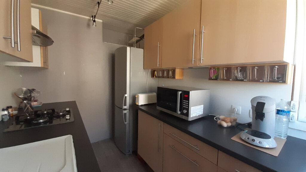 Appartement à louer 4 82m2 à Élancourt vignette-6