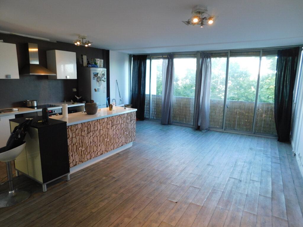 Appartement à louer 3 69.48m2 à Montpellier vignette-2
