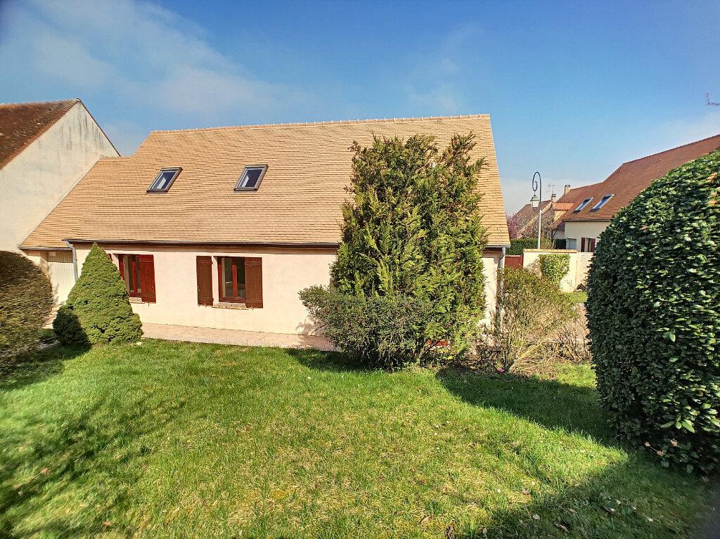 Maison à louer 7 138m2 à Thoiry vignette-1