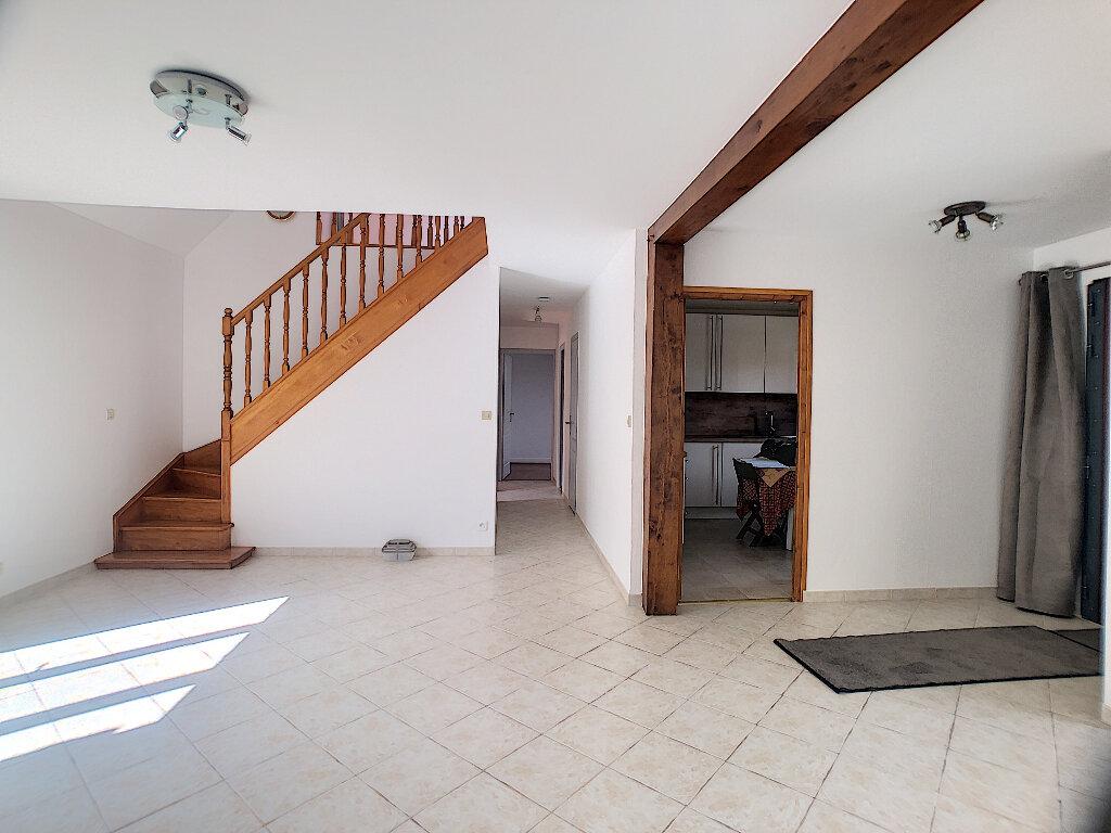 Maison à louer 7 138m2 à Thoiry vignette-2