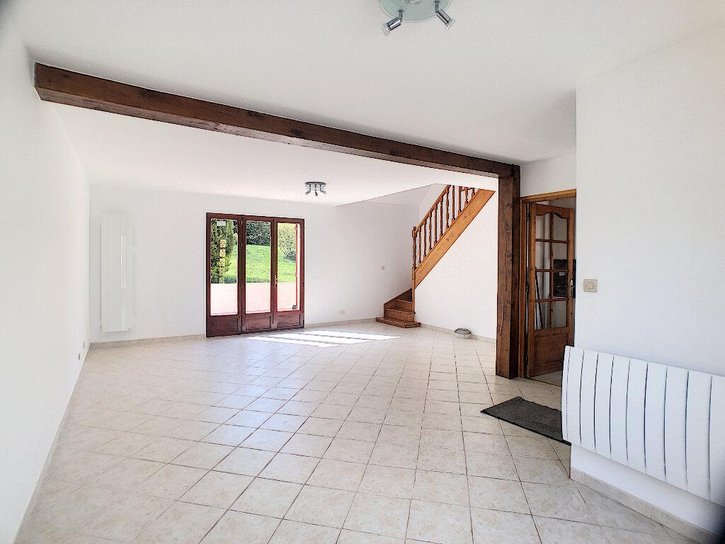 Maison à louer 7 138m2 à Thoiry vignette-4
