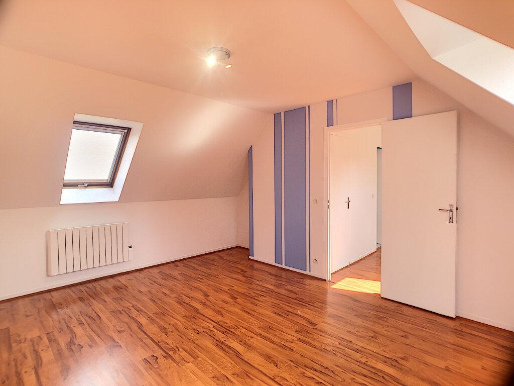 Maison à louer 7 138m2 à Thoiry vignette-9