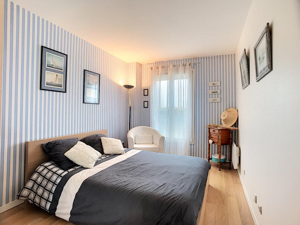 Maison à vendre 6 125m2 à Guyancourt vignette-3
